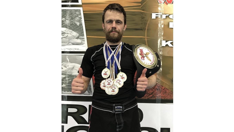 Вологжанин привез 7 медалей и пояс чемпиона мира из Италии
