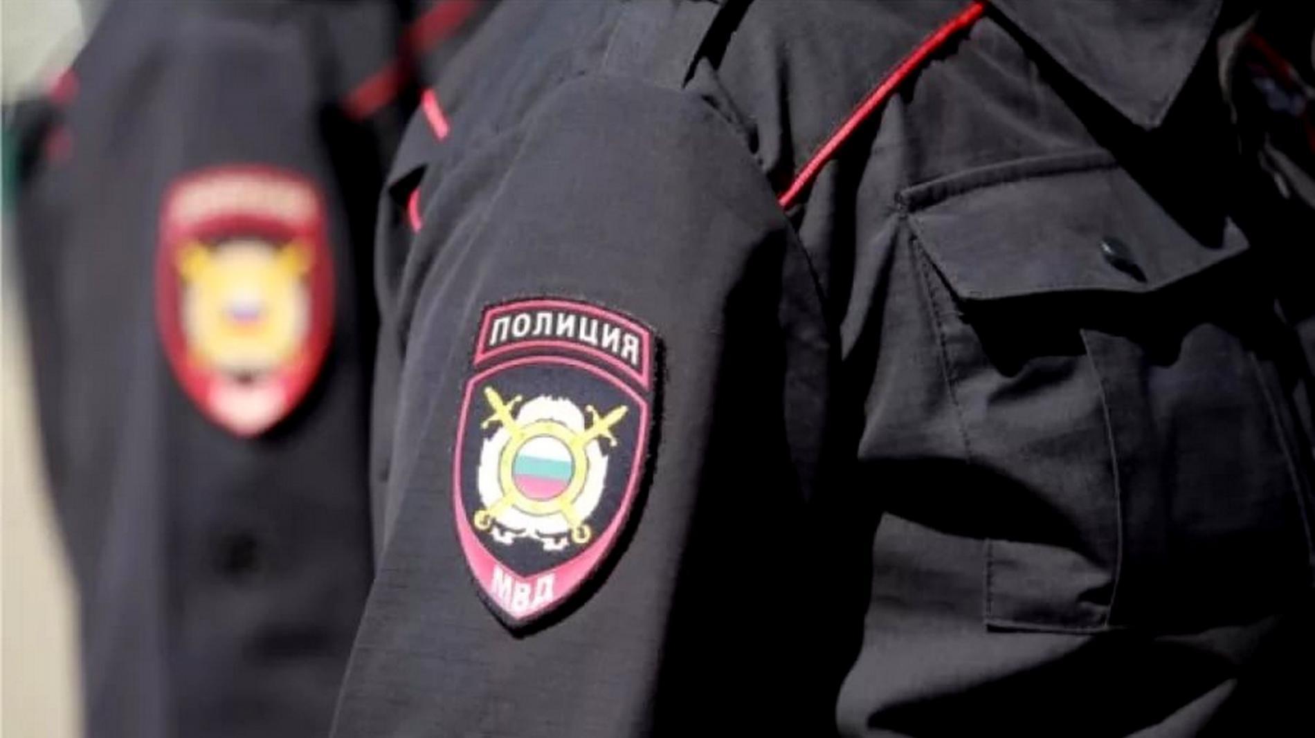 ВЧереповце полицейский прострелил руку скандалисту, бросившемуся нанего сножом