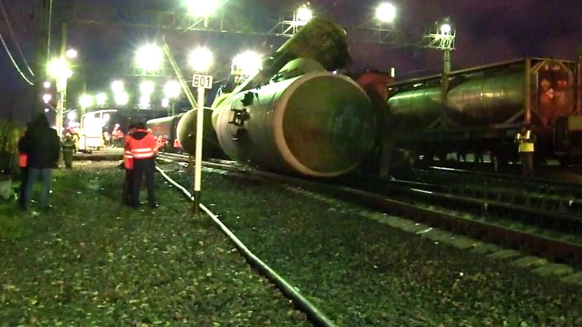 Маневровый поезд столкнулся сгрузовым вВологодской области